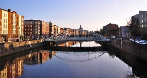 Ha'penny Bridge Dublin - Live & Work in Dublin