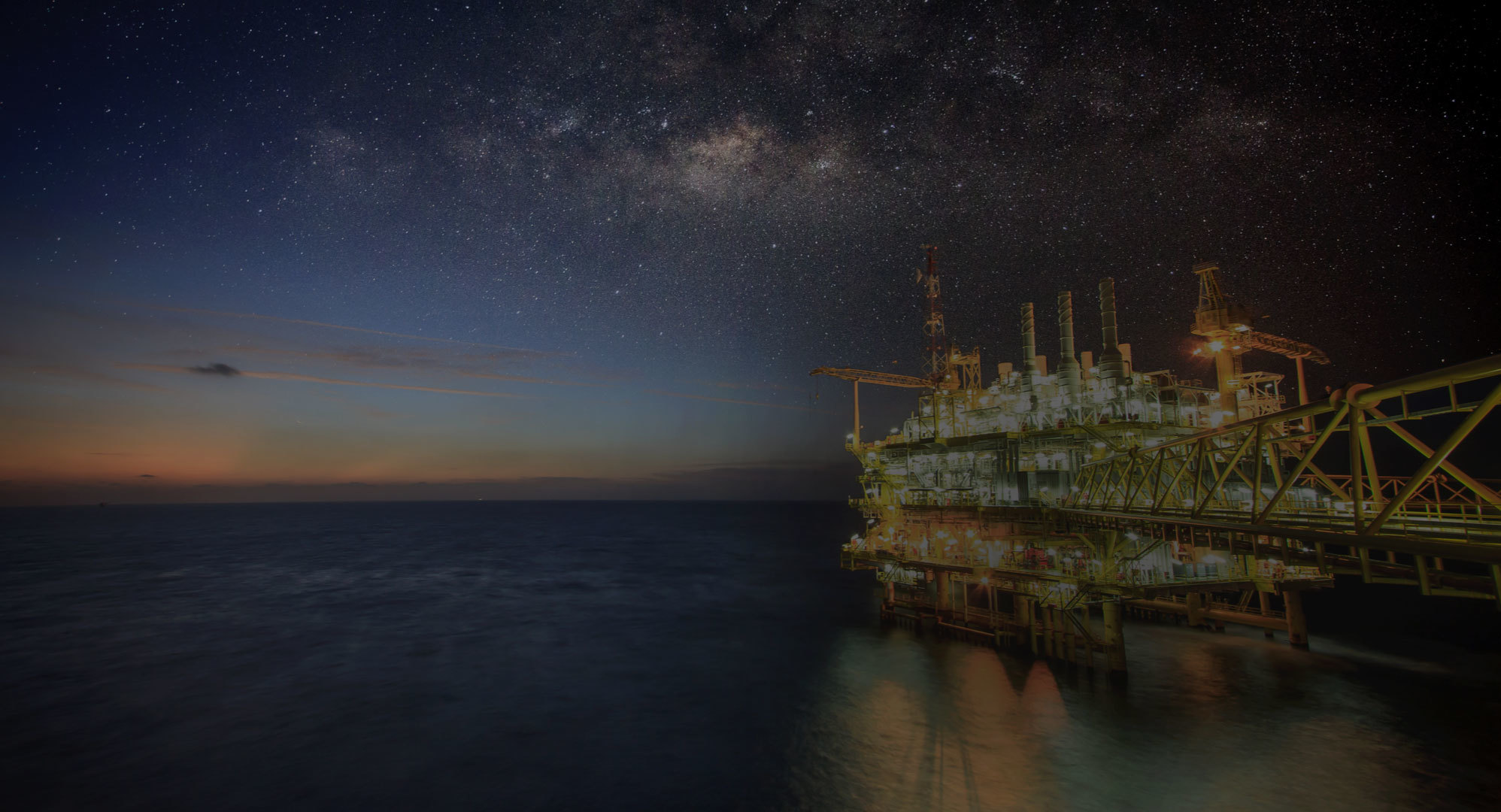 offshore-oil-rig-night