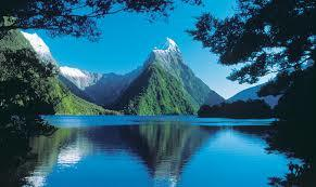 New Zealand lakes and mountains