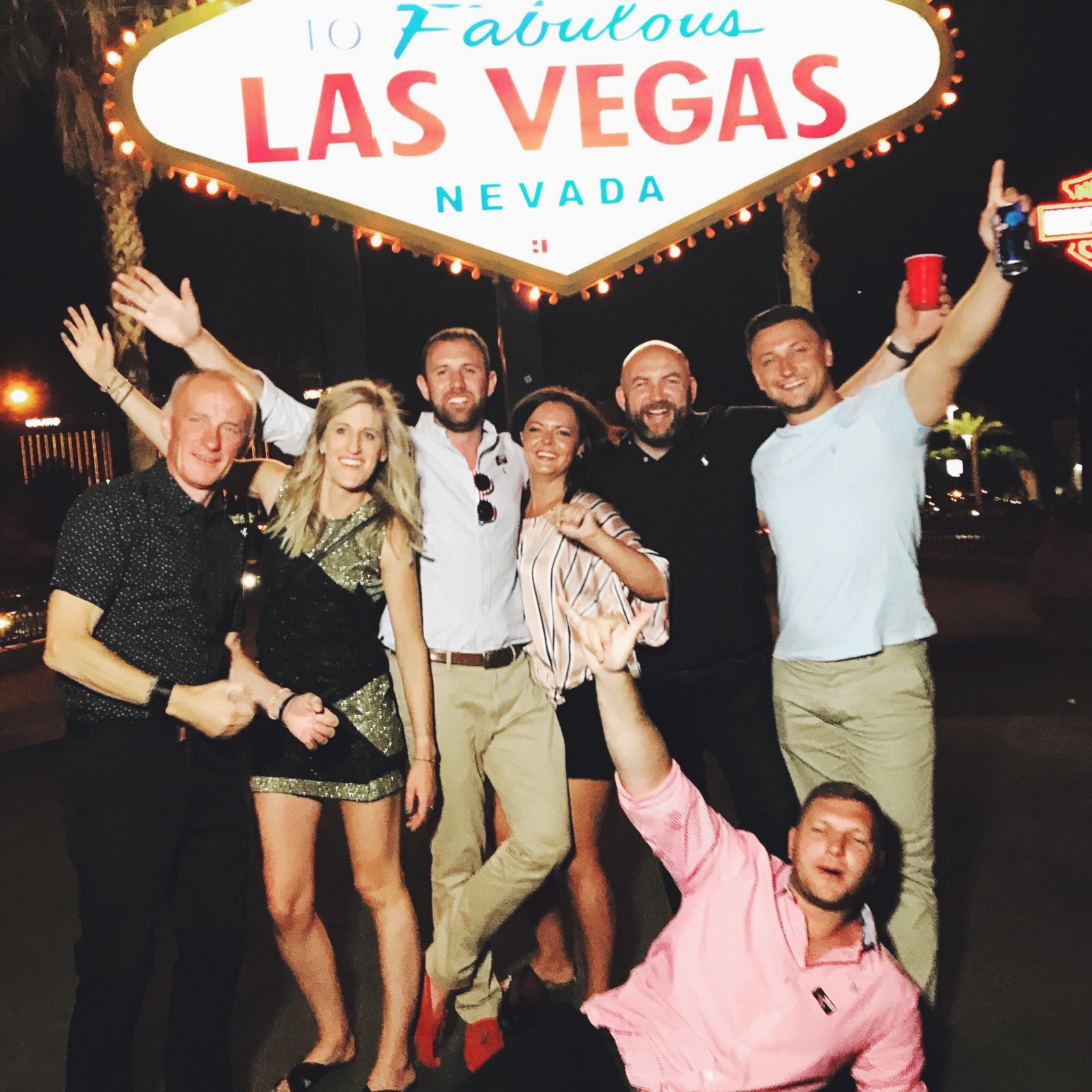 visiting the Vegas sign 2018
