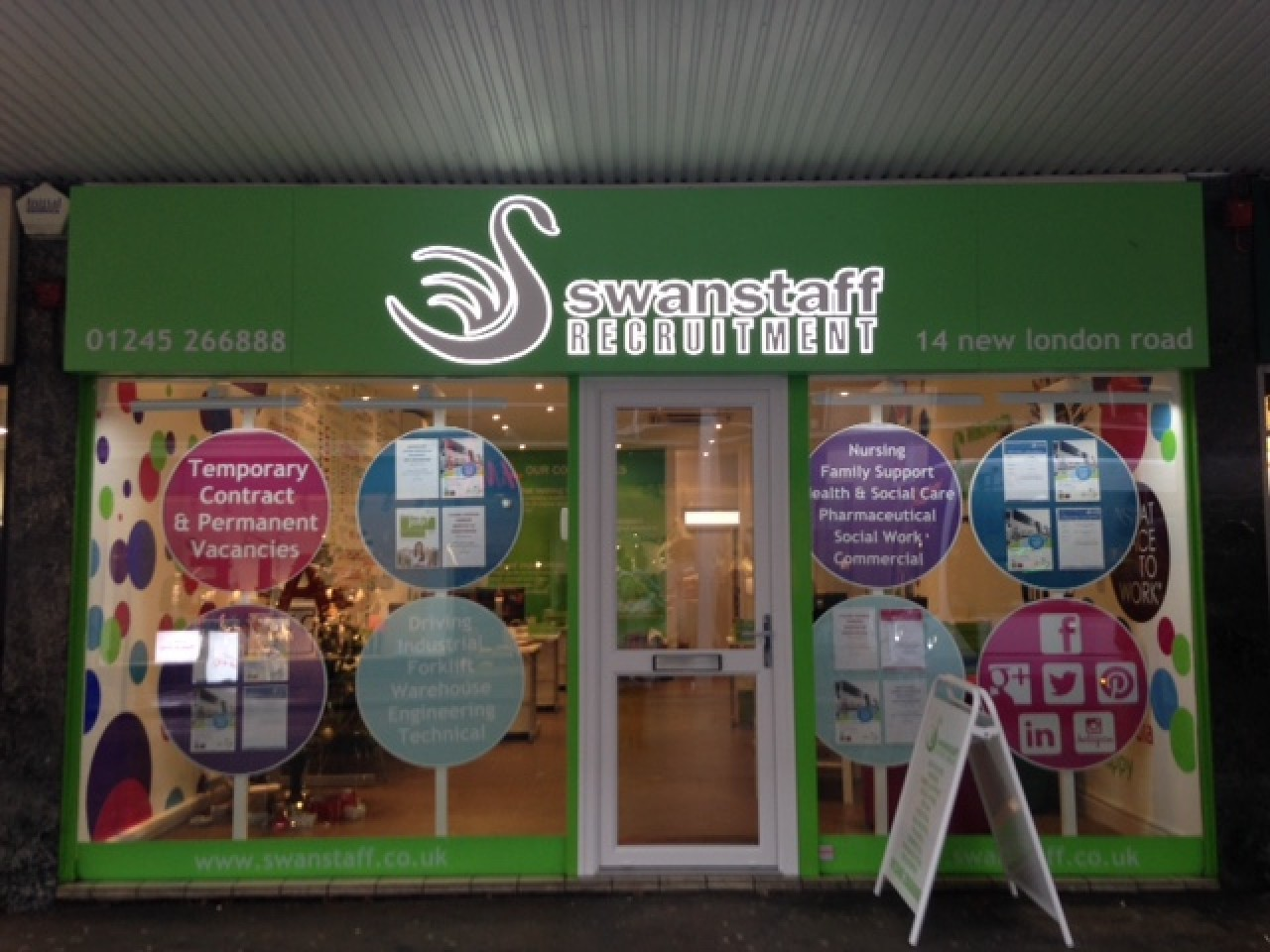 Swanstaff Recruitment undergo regeneration for new shop front at the Chelmsford branch