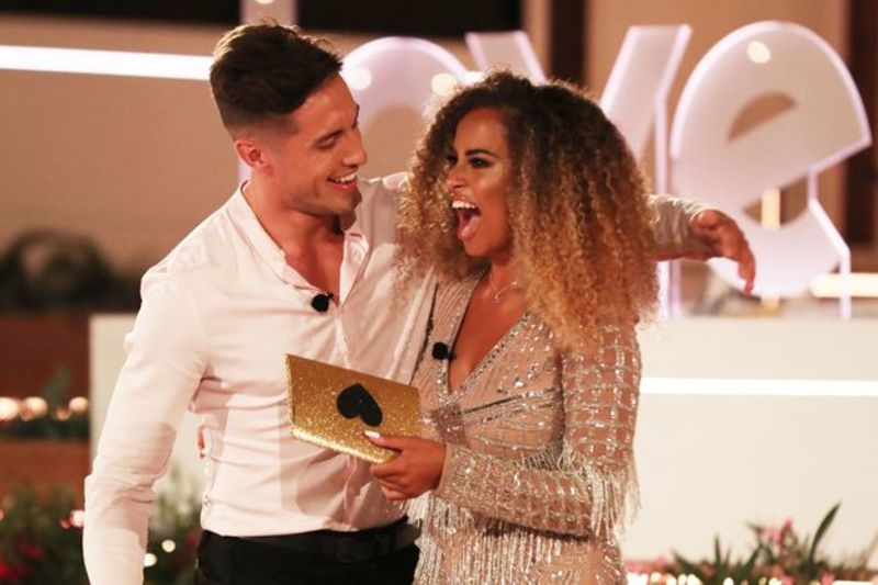Winners of Love Island 2019 Amber and Greg